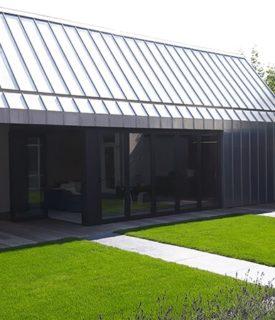 tuinhuis-bekleed-in-blank-zink